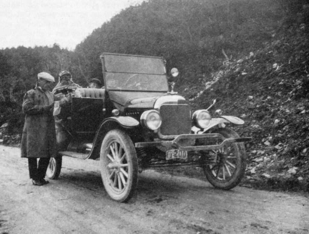 Bilde av En av Sandefjords eldste biler