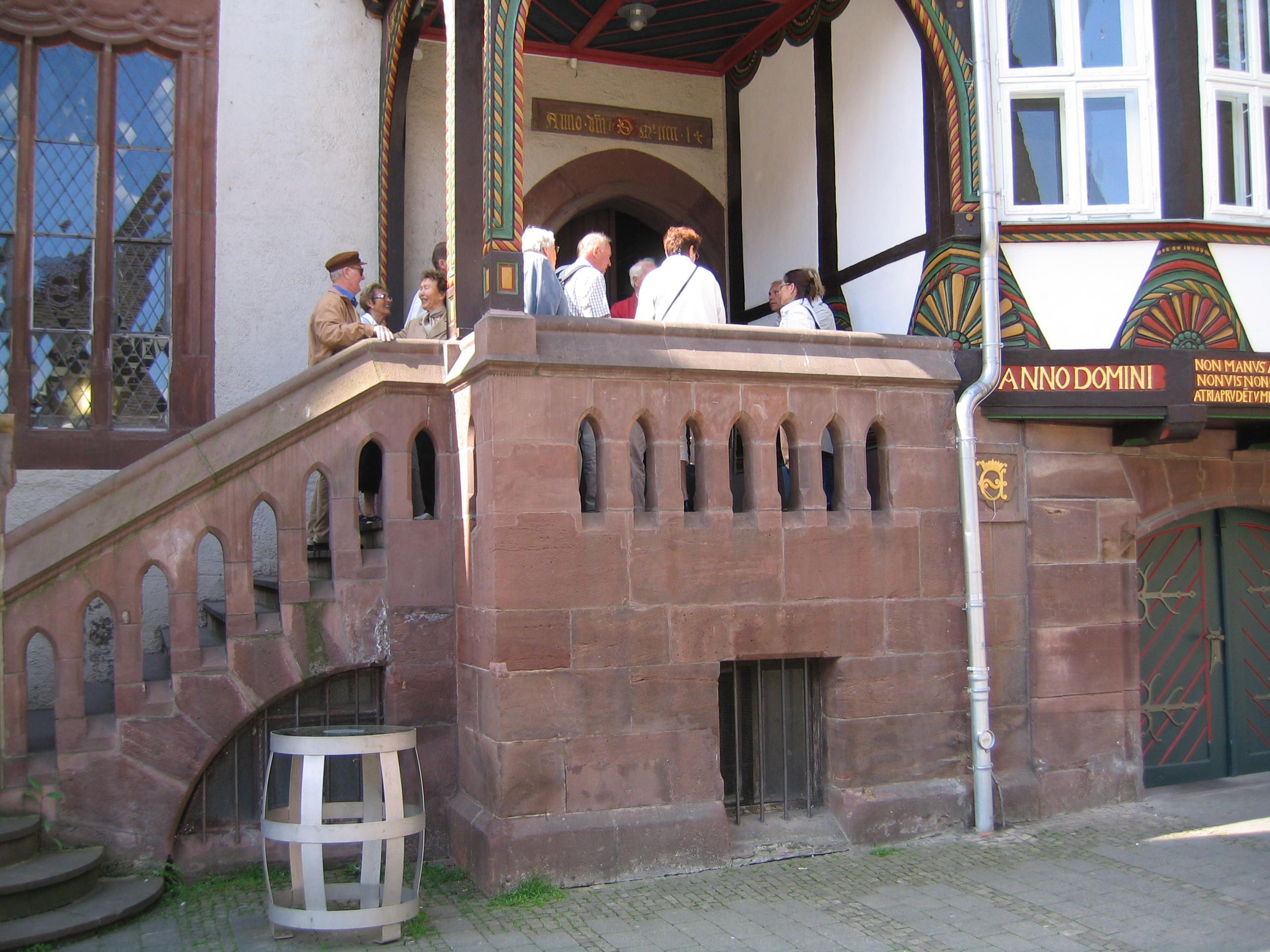 Bilde av Einbeck Rådhus trappen.