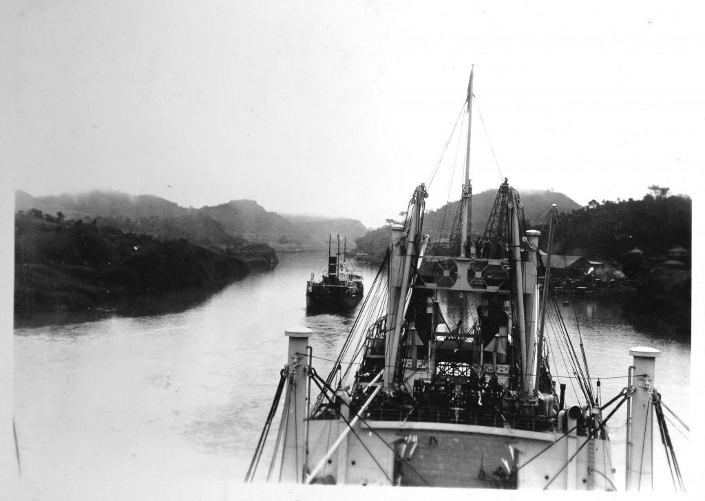Bilde av I Panamakanalen