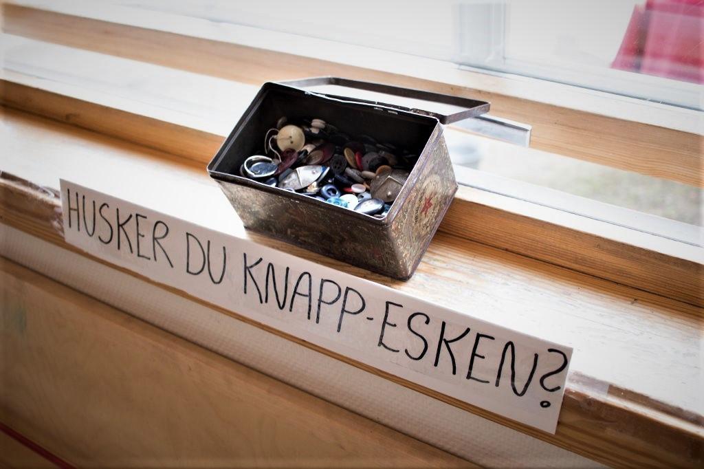 Bilde av Knappe-eske