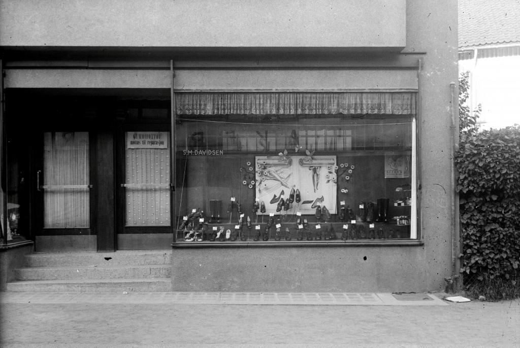 Bilde av S. M. Davidsen Skotøyforretning, Jernbanealleen 19