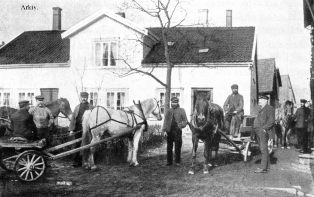 Bilde av Stor aktivitet hos H. Larsens kulforretning