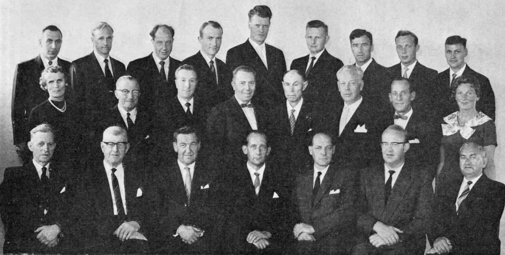 Bilde av A/S Thor Dahl Skipshande. Ansatte ved 75 års jubileet i 1962