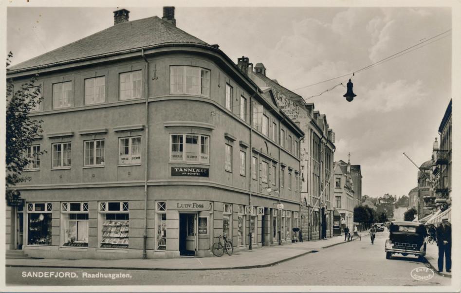 Bilde av Hjørnebutikken til Ludv. Foss / Rådhusgaten