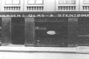 Bilde av Andersens Glas- og Stentøimagazin, Finn