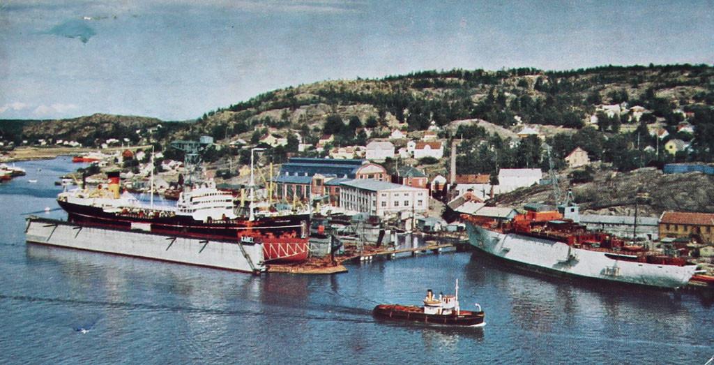 Bilde av A/S Framnæs Mek. Værsted med dokkene 1950.