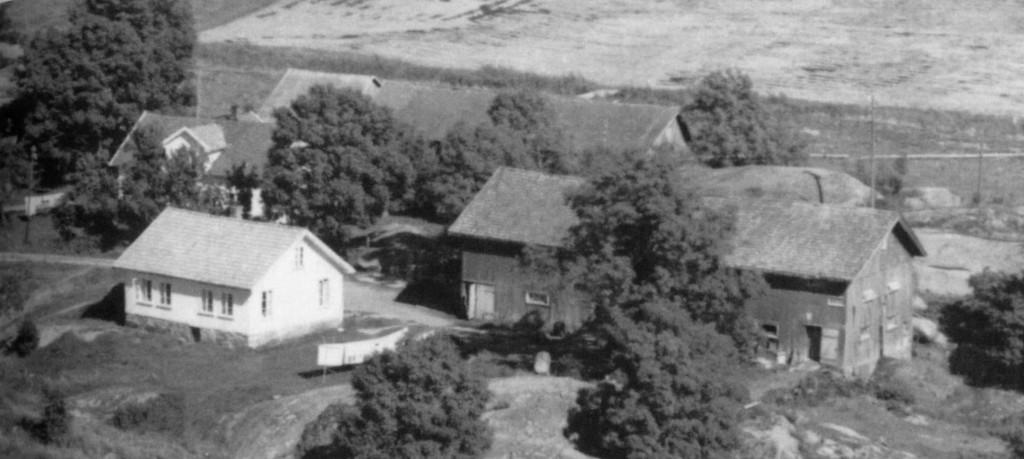 Bilde av Gårdsbilde fra 1966