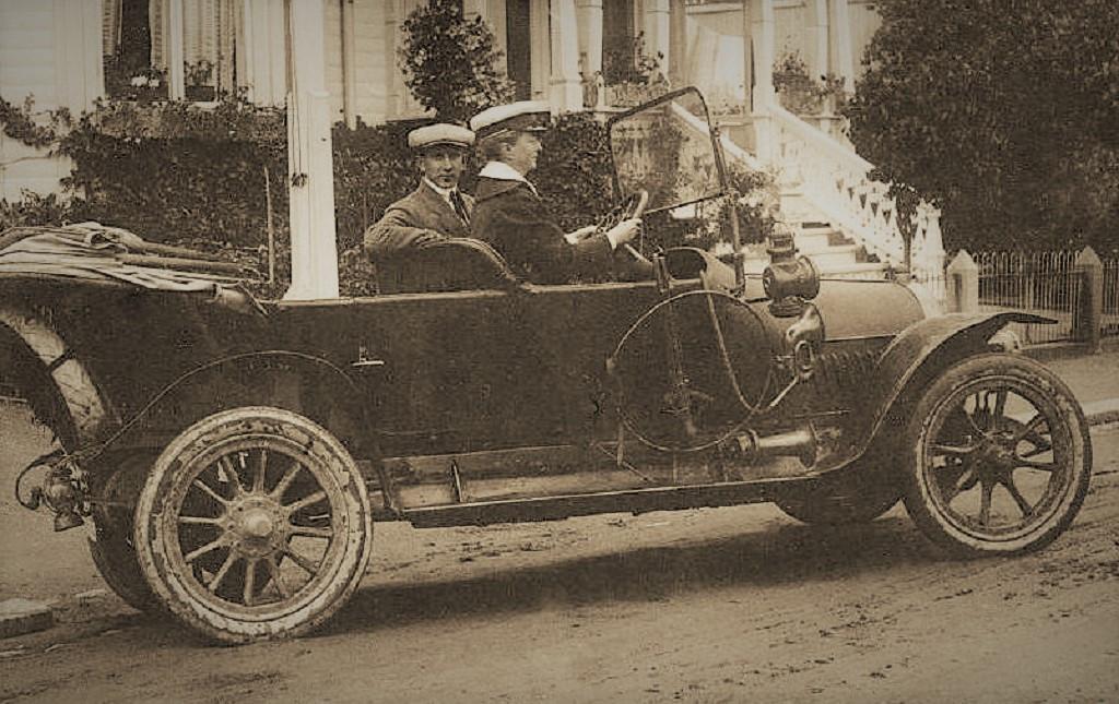 Bilde av Kvinne ved rattet
