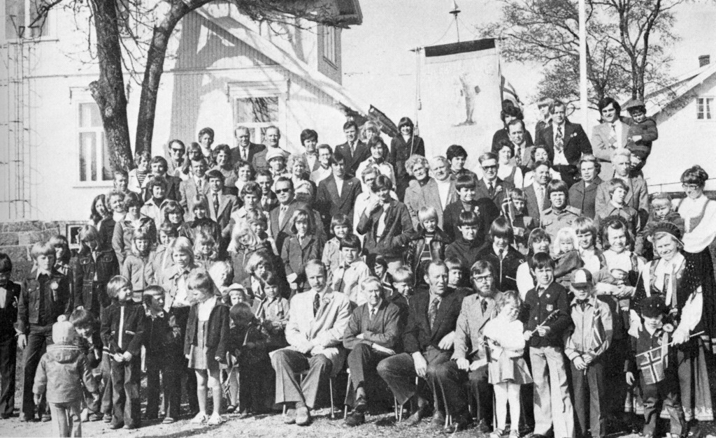 Bilde av Førstad-grenda 17. mai 1976