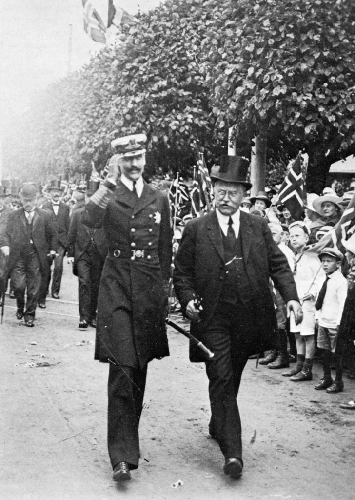 Bilde av Kong Håkon besøker Sandefjord 1920
