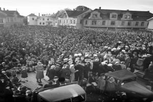 Bilde av Sangerstevne på Torget 1950