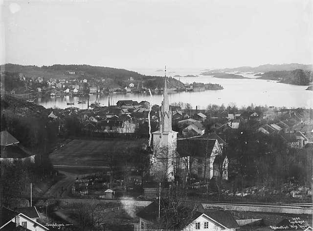 Bilde av Sandar Kirke
