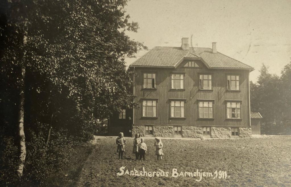 Bilde av Sandeherreds Barnehjem i Føykåsveien 26