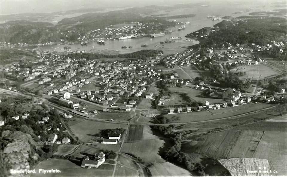 Bilde av Flyfoto av Sandefjord by