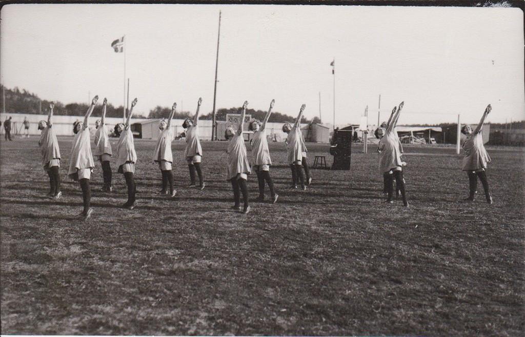 Bilde av Dameturn på gamle stadion