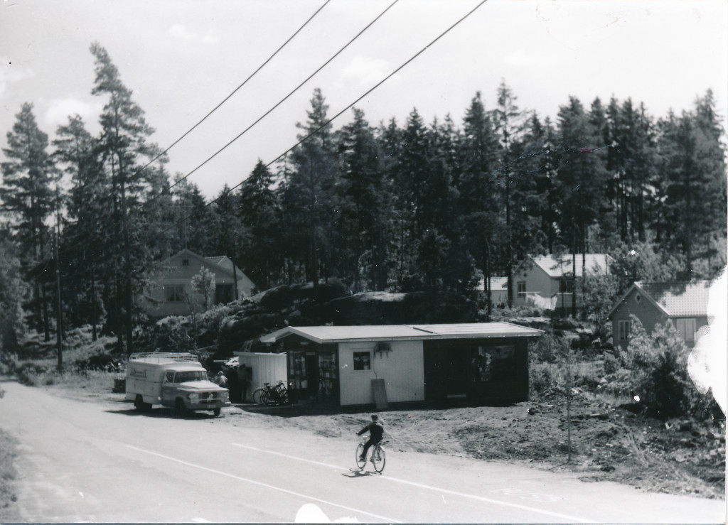 Bilde av Landhandelbutikken til Thorfinn Strandmo / Årøveien 61