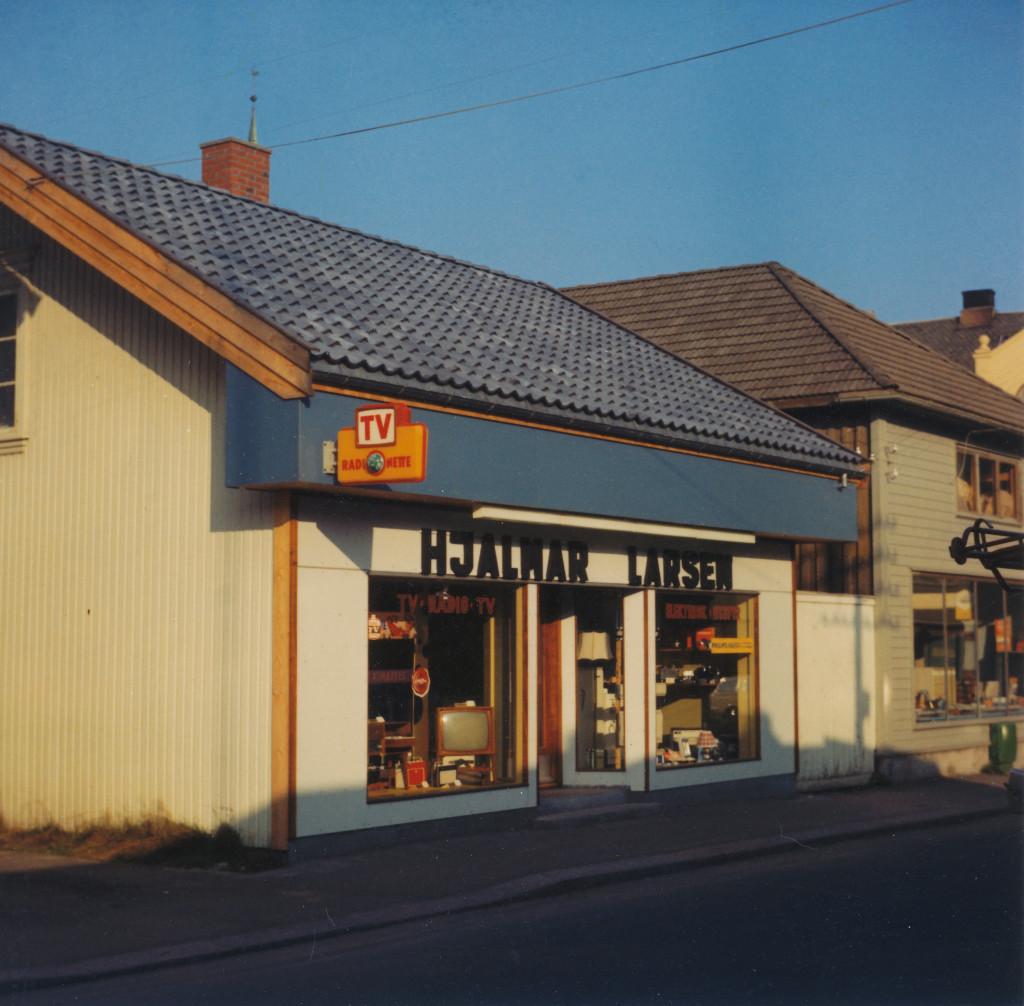 Bilde av Hjalmar Larsen el. forretning