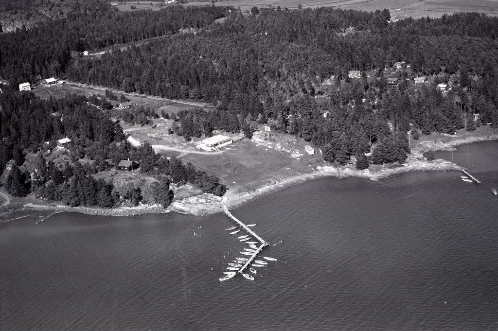 Bilde av Solløkka med Lahellefjorden