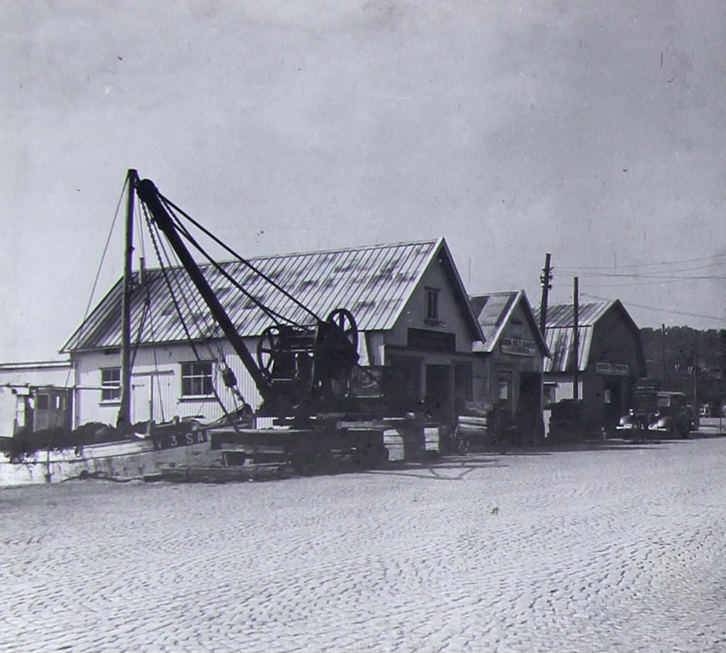 Bilde av Brygga 22  -  De nye fiskebasarene omkring 1925