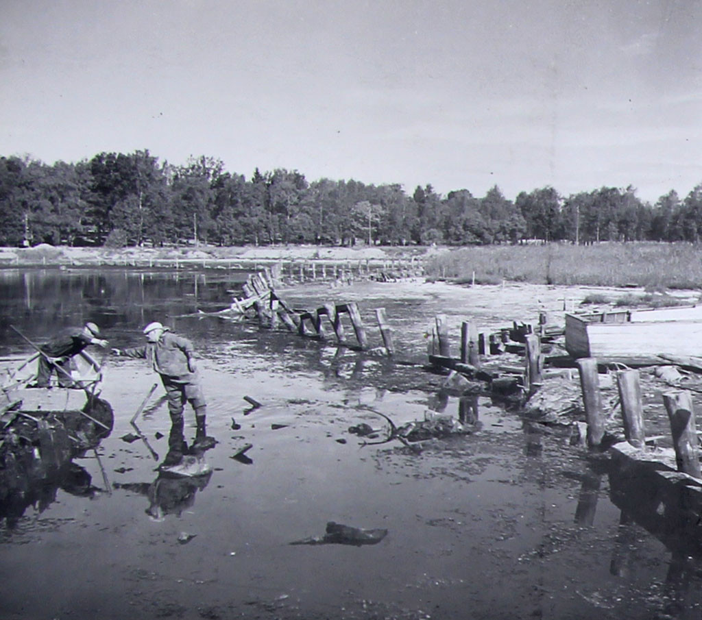 Bilde av Småbåthavna - Forberedene arbeider med den nye småbåthavnen.