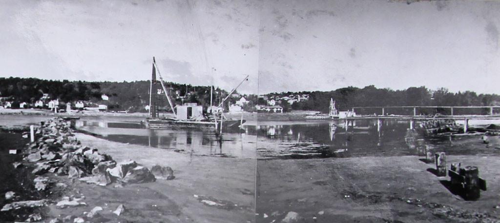 Bilde av Småbåhavna  -- Forberedene arbeider med den nye småbåthavnen.