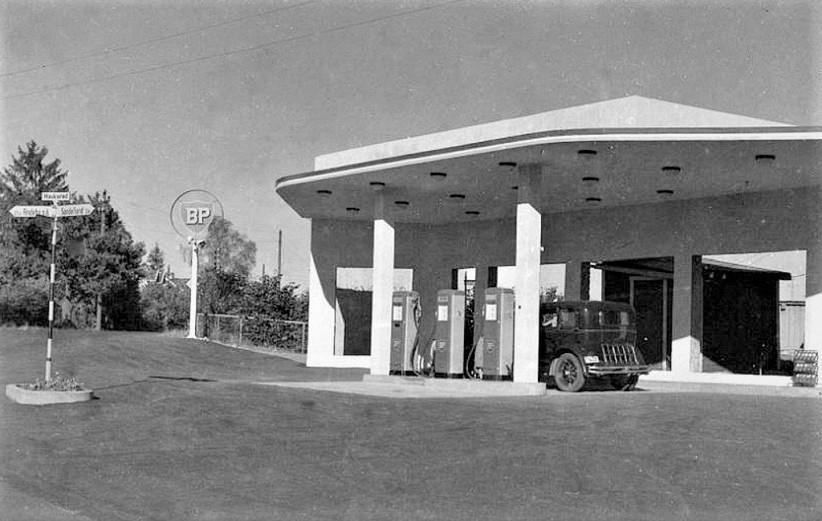 Bilde av A. Liverød bensin
