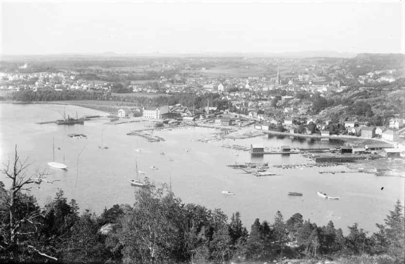 Bilde av Indre havn sett fra Huvik/Fjeldvik