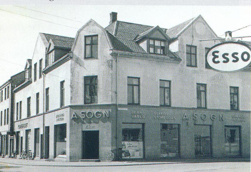 Bilde av Jernbanealleen 30 da A. Sogn hadde butikk der