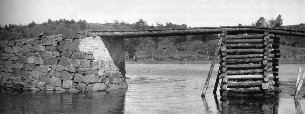 Bilde av Den første brua over til Natholmen