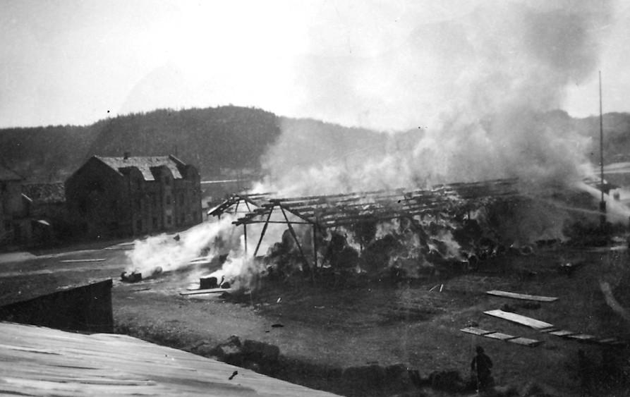 Bilde av Brann i halmlager på brygga
