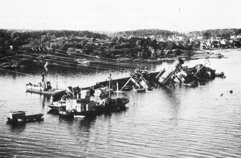 Bilde av Flyangrep 2. påskedag 1945