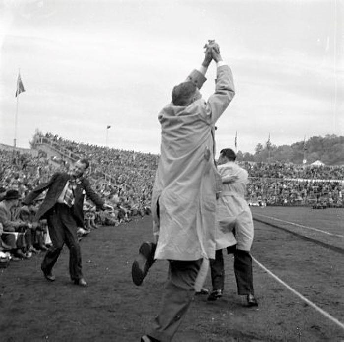 Bilde av GAMLE STADION - CUPFINALE FOTBALL 1957