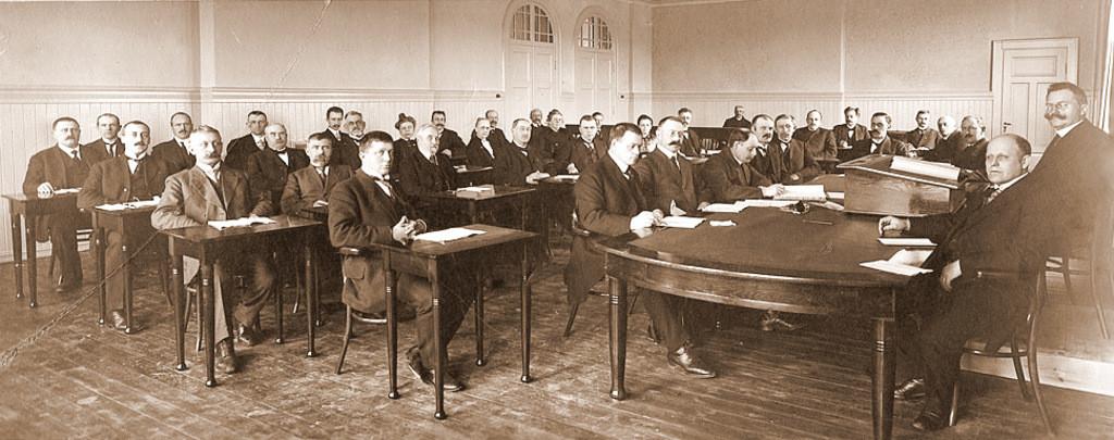 Bilde av Bystyret de første krevende årene under 2. verdenskrig