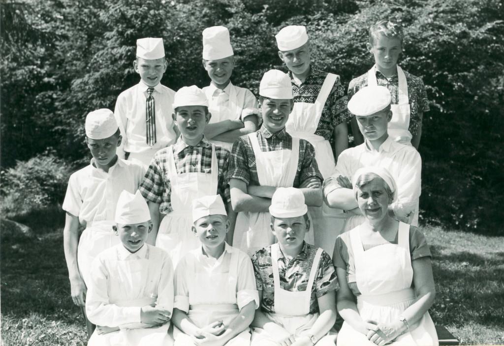 Bilde av 1961 - klasse 7 A skolekjøkken