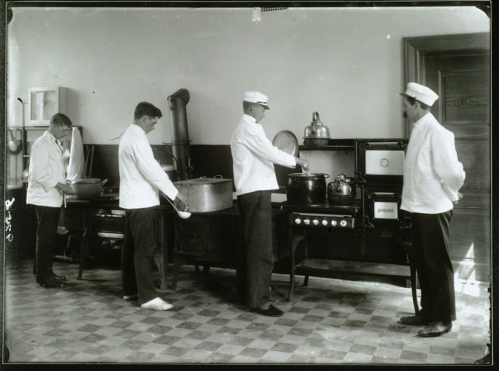 Bilde av Innvielse av nytt bygg i 1917