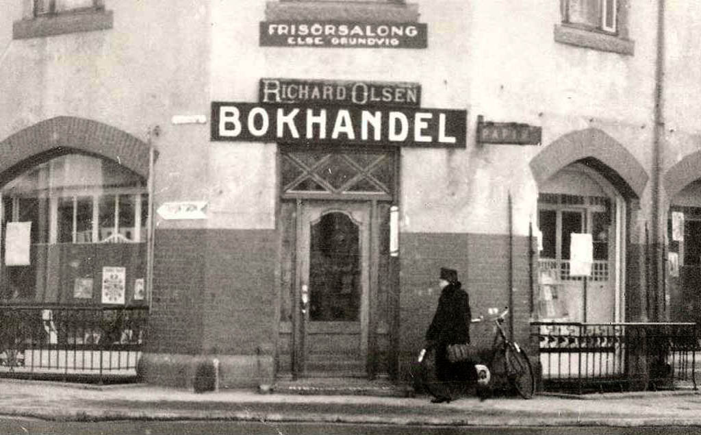 Bilde av Richard Olsen bokhandel og frisørsalong Else Grundvig.
