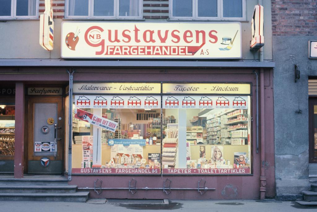 Bilde av Gustavsens Fargehandel, Dronningensgate 9