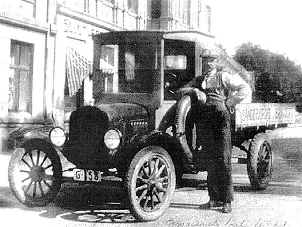 Bilde av Første lastebil