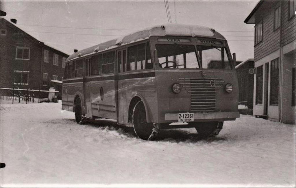 Bilde av Ny Volvo i begynnelsen  av 1950