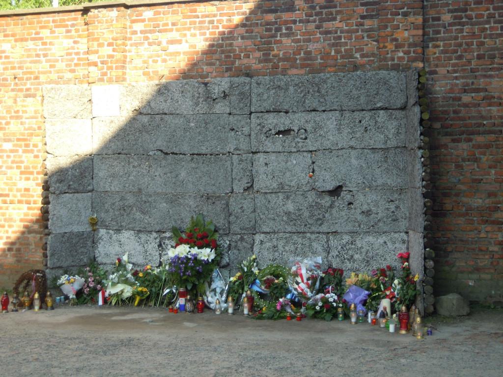 Bilde av Auschwitz Avrettingsmuren.