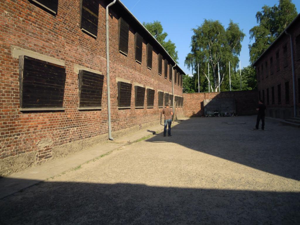 Bilde av Auschwitz Blokk 10 og 11.