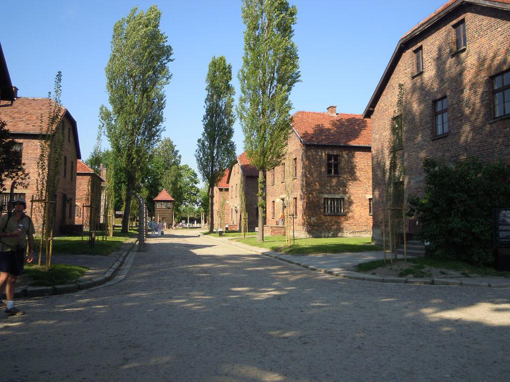 Bilde av Auschwitz. Fangebrakker