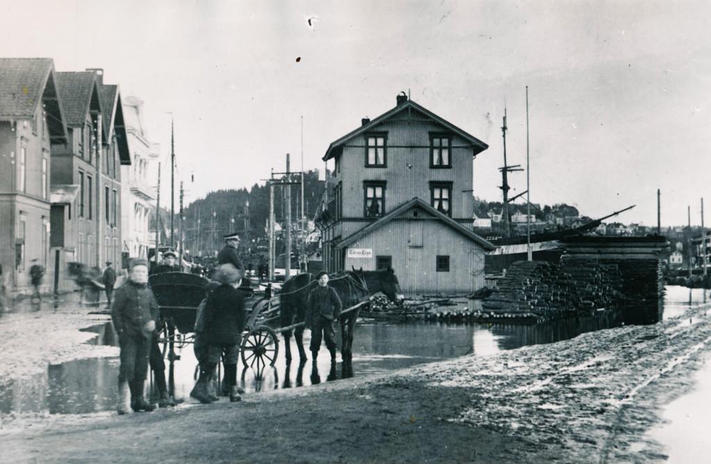 Bilde av Springflo i bryggeområdet