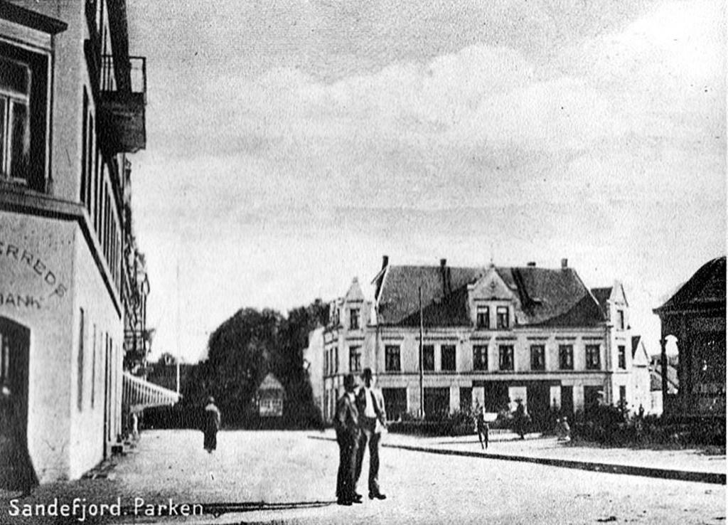 Bilde av Da Jernbanealleen endte ved Byparken