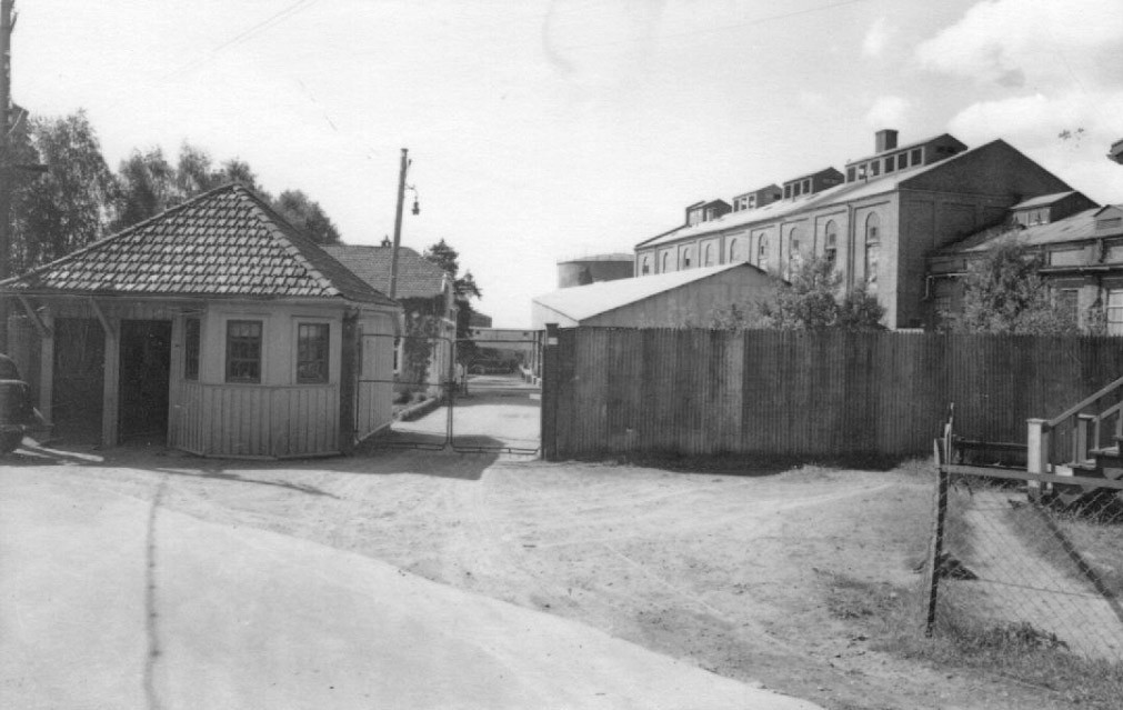Bilde av Hovedporten til Jahres Fabrikker