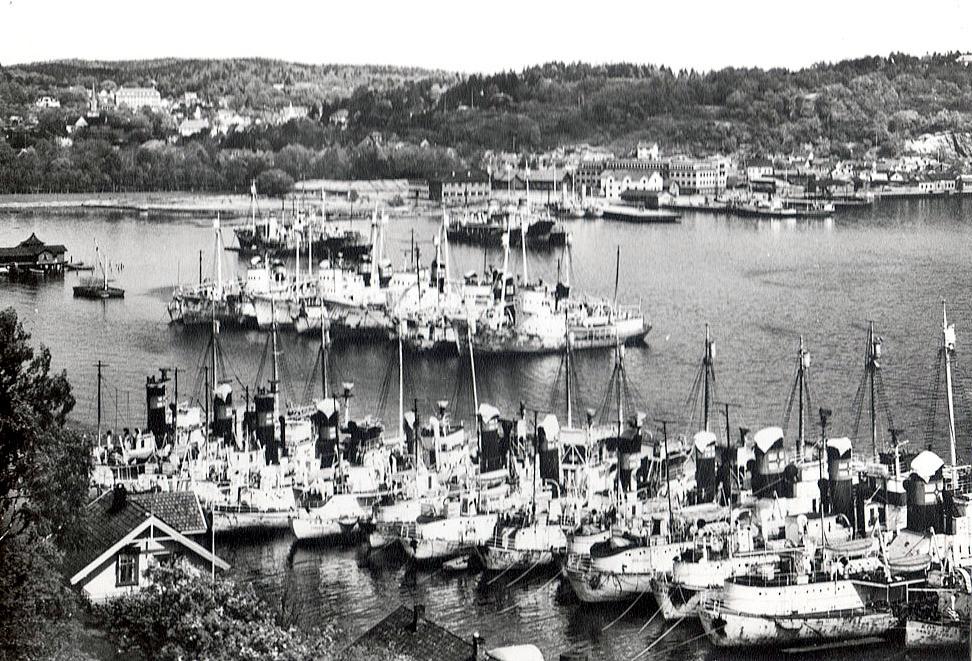 Bilde av Jahre-båter i opplag ved Stubb 1937.