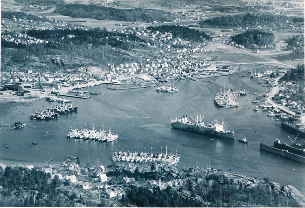 Bilde av Indre havneområdet i 1950-51.