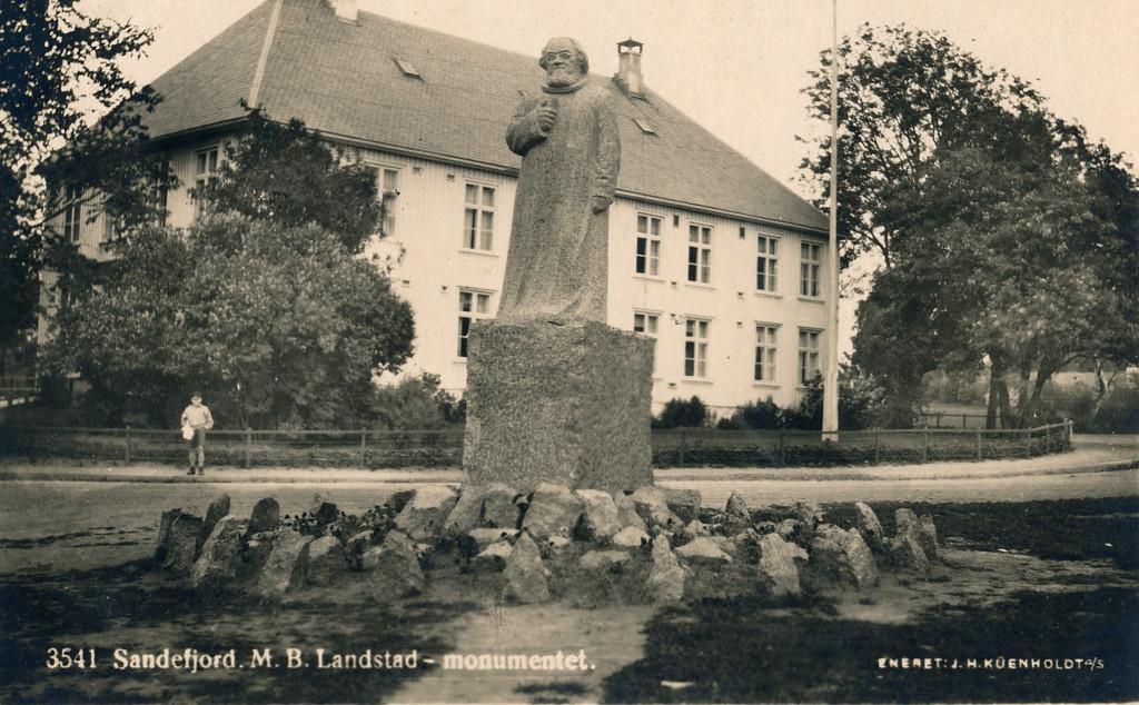 Bilde av Sandar Herredshus