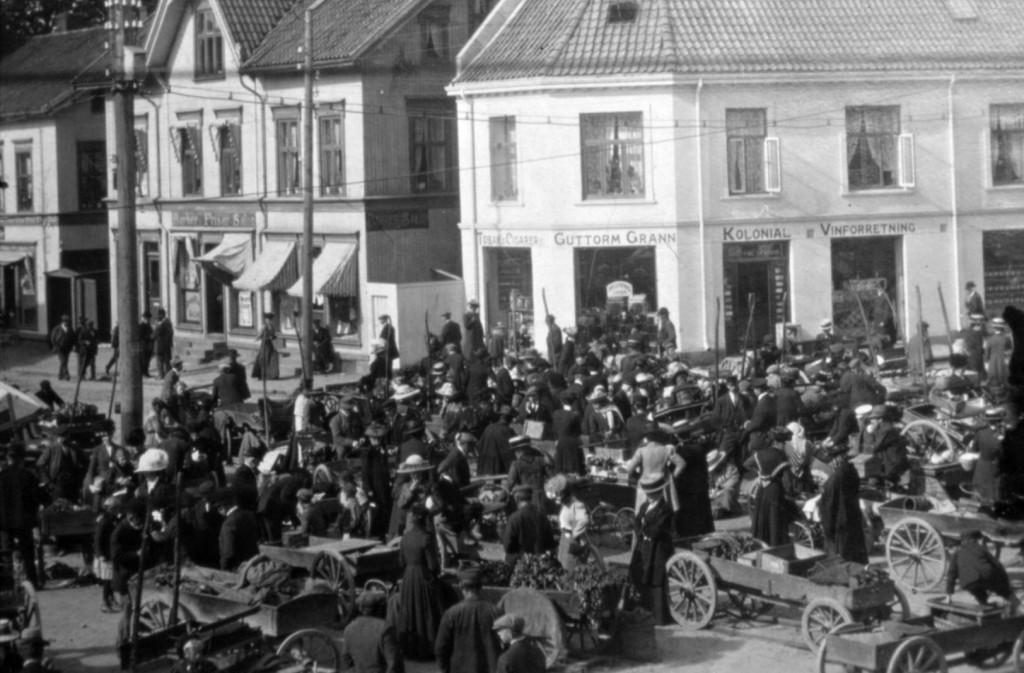 Bilde av Torgehandel i gamle dager