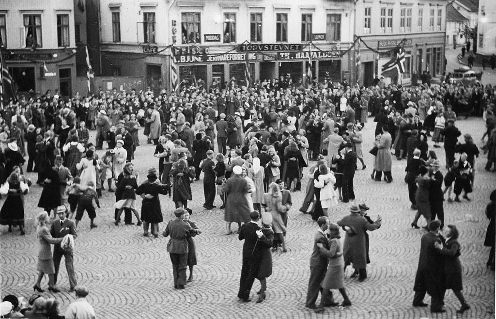 Bilde av Dans på Torget